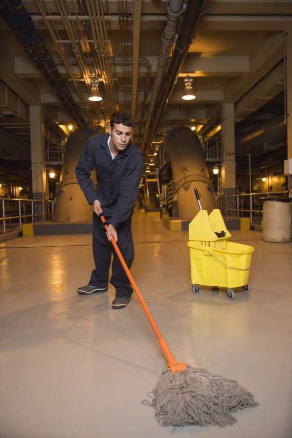 cleaning contractor